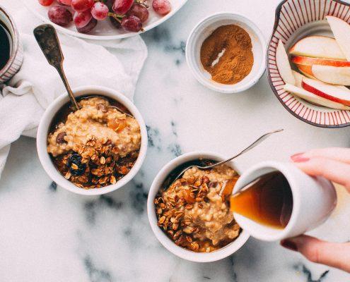 porridge d'automne au lait d'amande diététique satiété petit-déjeuner salariés